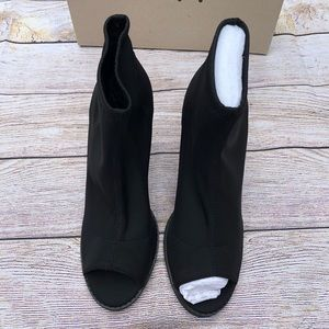 Urban Outfitters Shoes - HP 🎉 Urban Outfitter | Short Open Toed Boot | 10